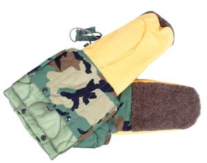 GI ECW Army Mitten With Fur